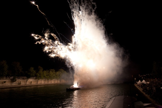 Bidding Farewell in Cai Guo-Qiang's One Night Stand: Explosion Event for Nuit Blanche, realized on October 5 on the Seine River, Paris, France, 2013 Photo by Wen-You Cai, courtesy Cai Studio