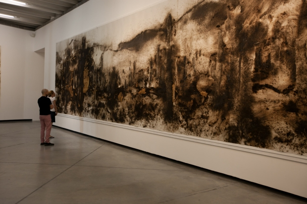 Sentinels of the Enchanted Valley, gunpowder on paper, 300 x 1600 cm. Exhibition view at Fundación Proa. Photo by Wen-You Cai, courtesy Cai Studio.